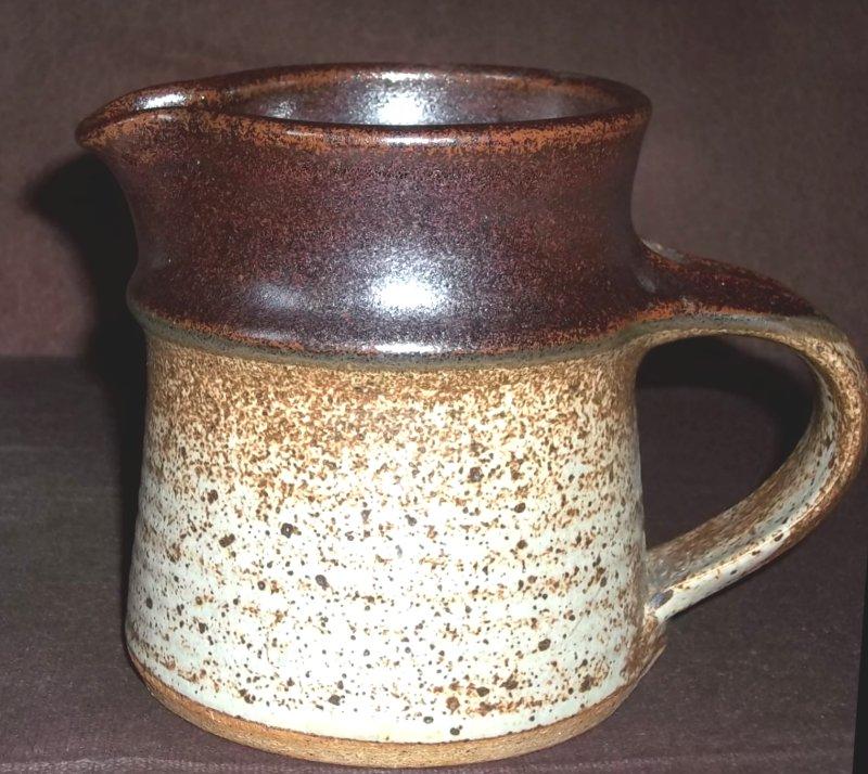 Stoneware jug M over W 100_3635