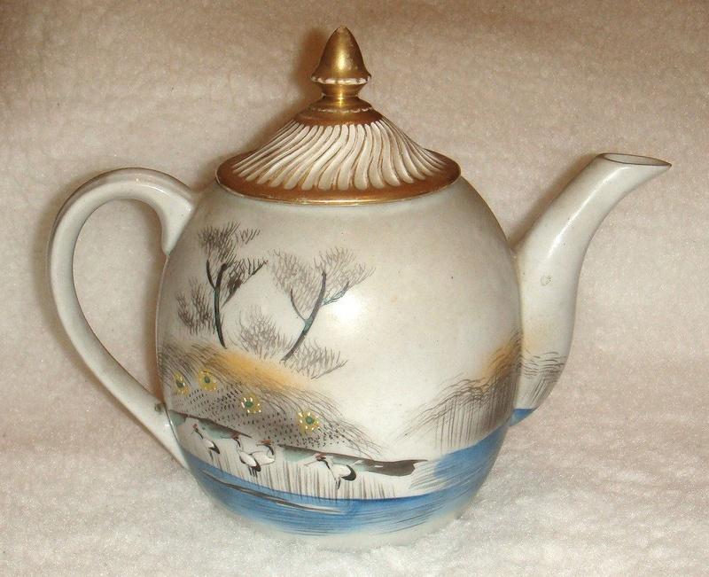 ID oriental mark - Japanese eggshell Kutani teapot  N1519010