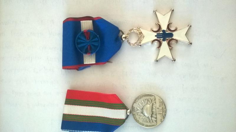 Médailles du grand père  Wp_20124