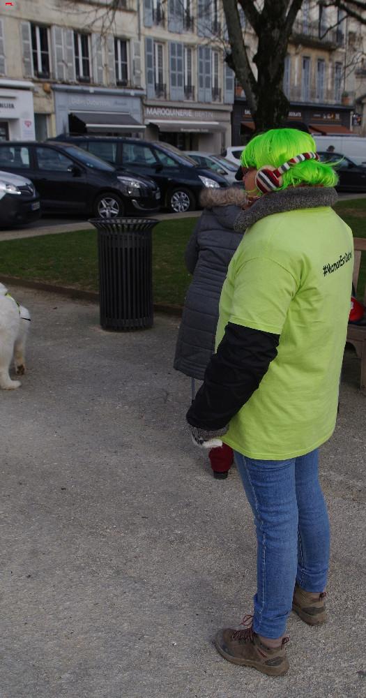 Elle marche pour ses fils et la justice Imgp4111