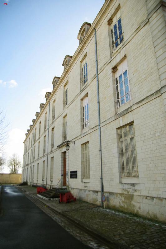 Le Service Historique de la Défense, protège ses hirondelles de fenêtre (Delichon urbicum) ! Imgp4913