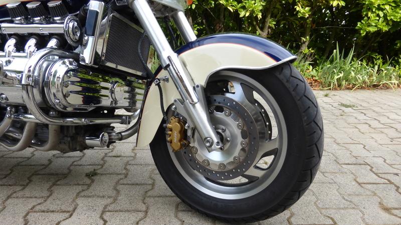 Amélioration freinage 1500 Valkyrie P1000719
