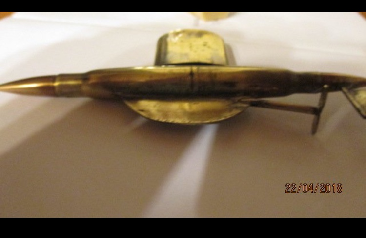 Estimation et identification briquet de tranchee sous marin 6295f510