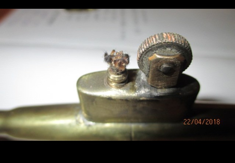 Estimation et identification briquet de tranchee sous marin 9637b310