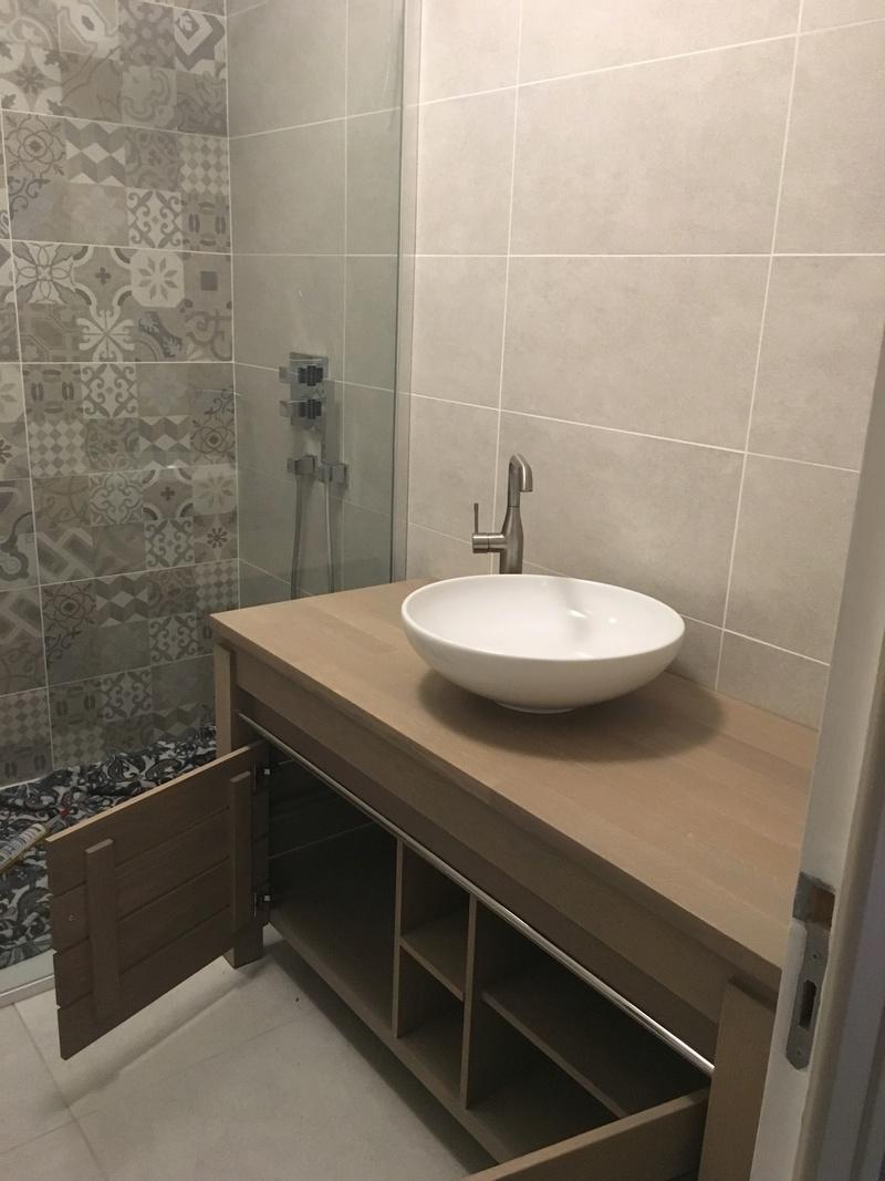 Rénovation d'une salle de bains - Page 2 Img_2737