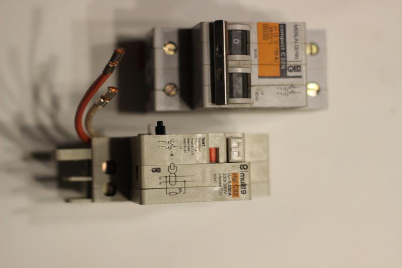 Disjoncteur différentiel MG Img_5810