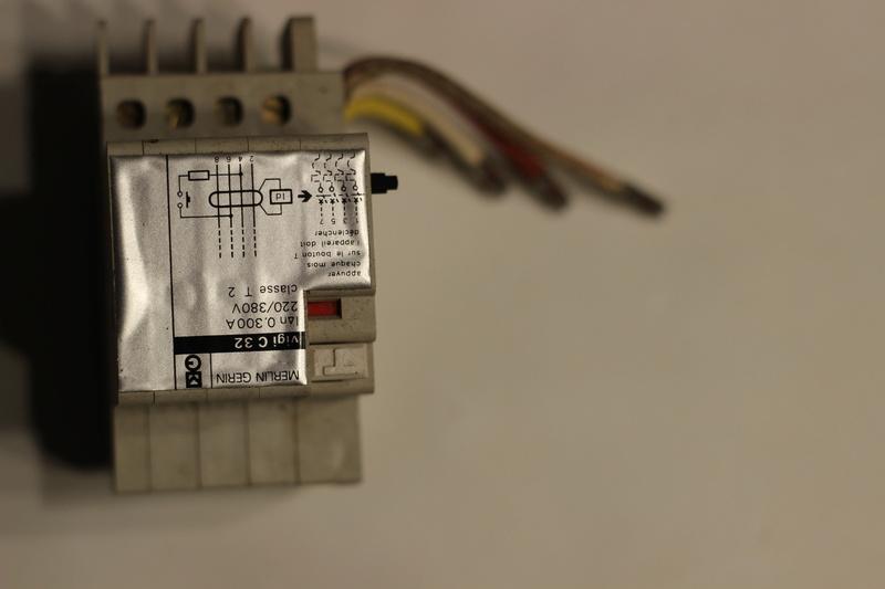Disjoncteur différentiel MG Img_5811