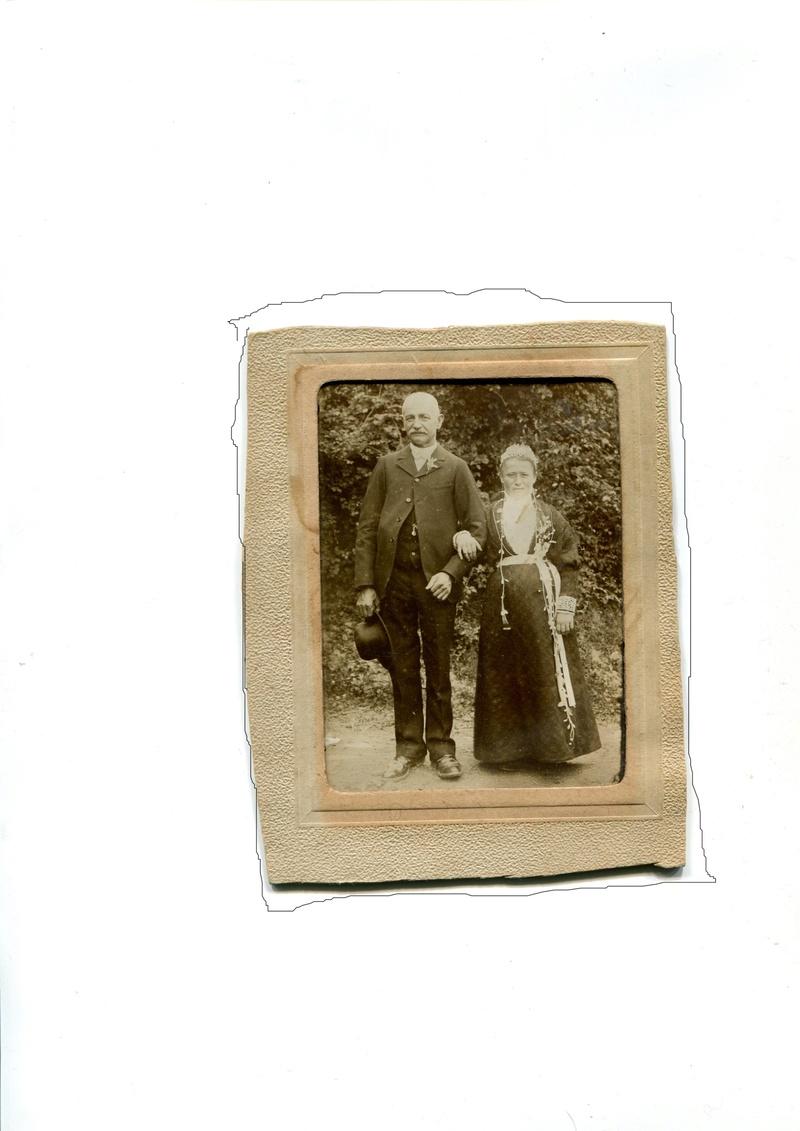 identification d'un costume feminin Couple15