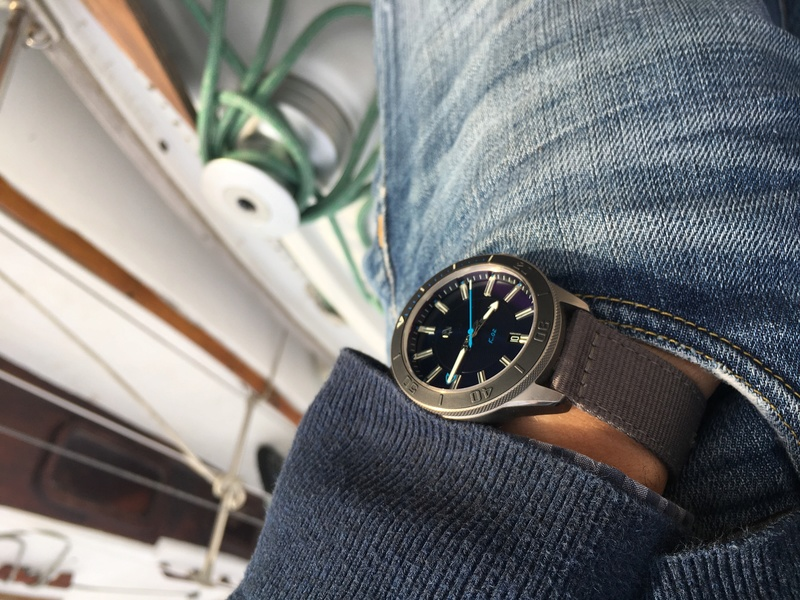 La montre du vendredi, le TGIF watch! - Page 29 C9854810
