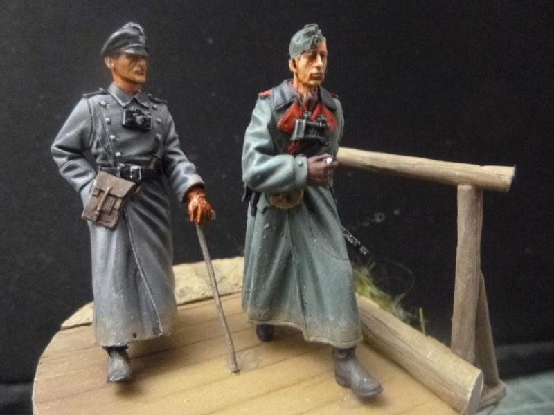 Traversée d'un fleuve en Russie -2 officiers allemands traversant un pont: Jaguar résine 1/35 P1030812