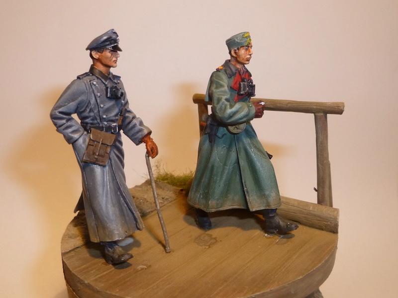 Traversée d'un fleuve en Russie -2 officiers allemands traversant un pont: Jaguar résine 1/35 - Page 2 P1030815