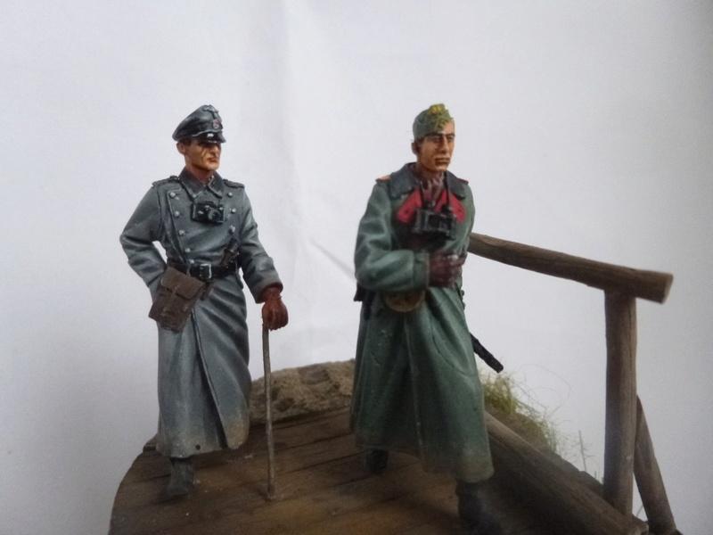 Traversée d'un fleuve en Russie -2 officiers allemands traversant un pont: Jaguar résine 1/35 - Page 2 P1030829