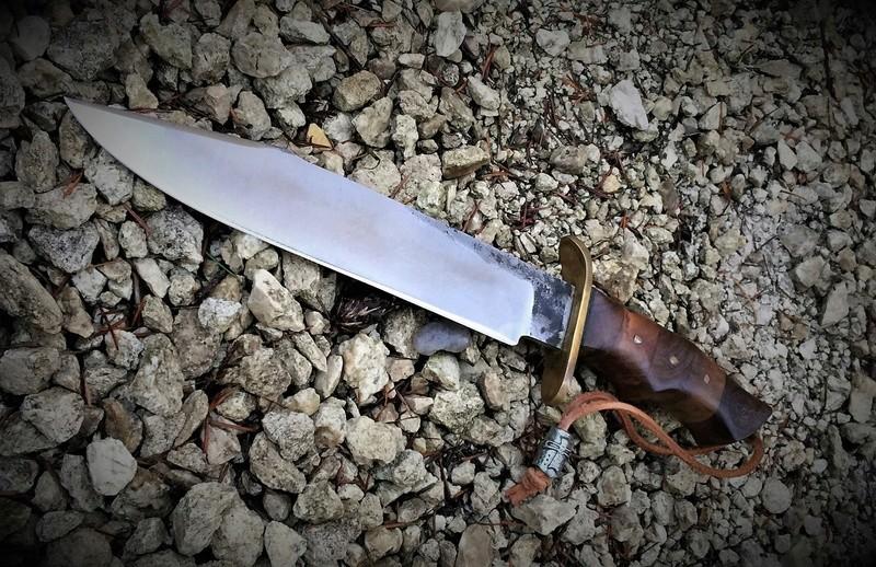 Les couteaux en Général . - Page 23 Coutea11