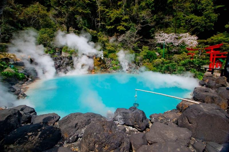 Les plus spectaculaires lacs du monde 1011