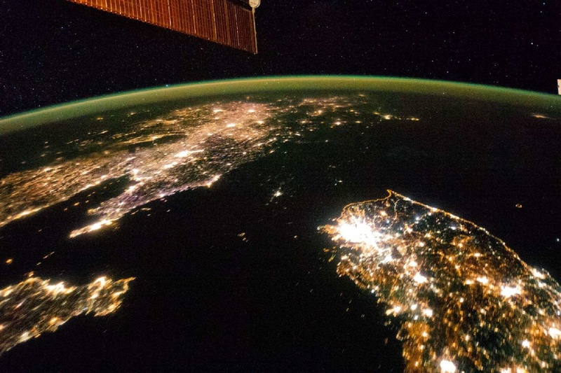 La Terre vue de l'espace : les astronautes ont les plus belles vues. 1211