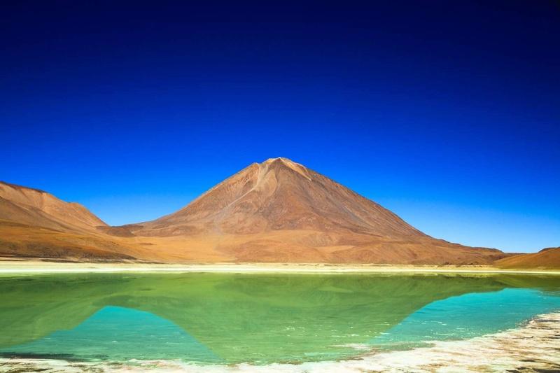 Les plus spectaculaires lacs du monde 140