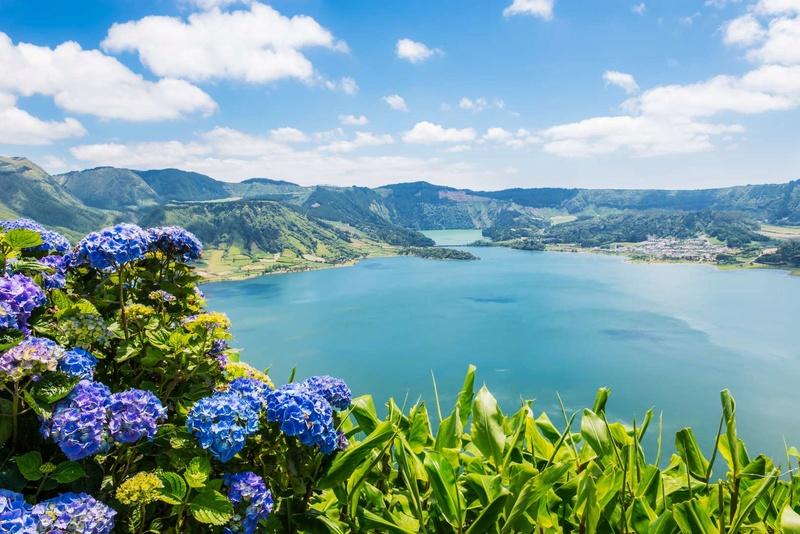 Les plus spectaculaires lacs du monde 320