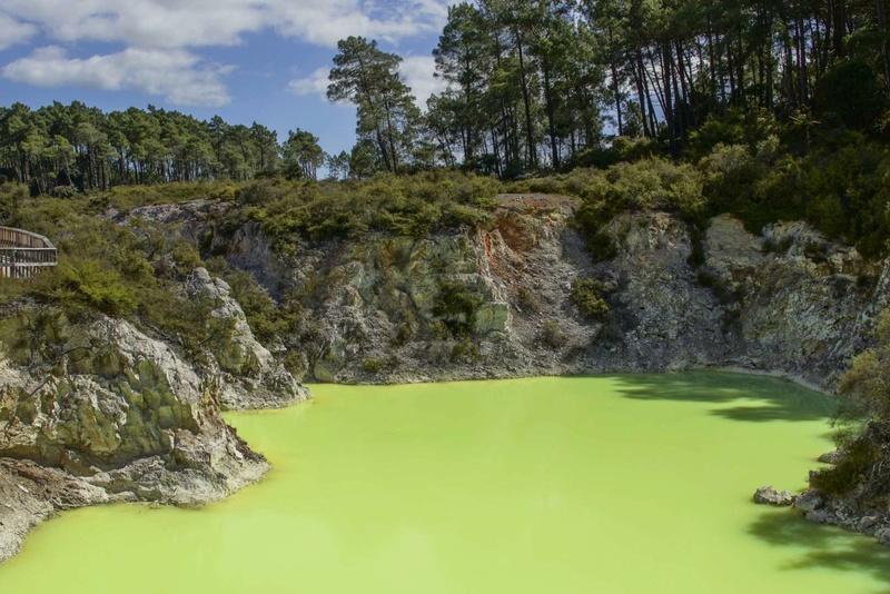 Les plus spectaculaires lacs du monde 515
