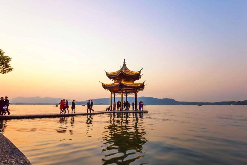 Les plus spectaculaires lacs du monde 713