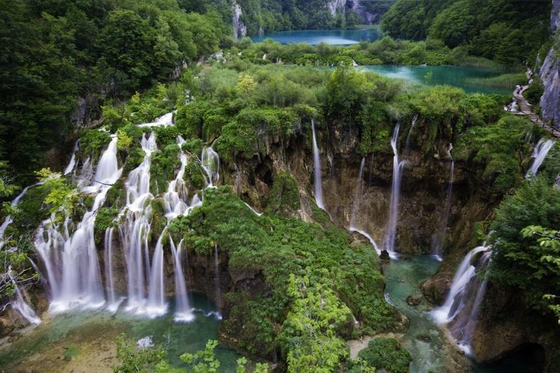 Les plus spectaculaires lacs du monde 714