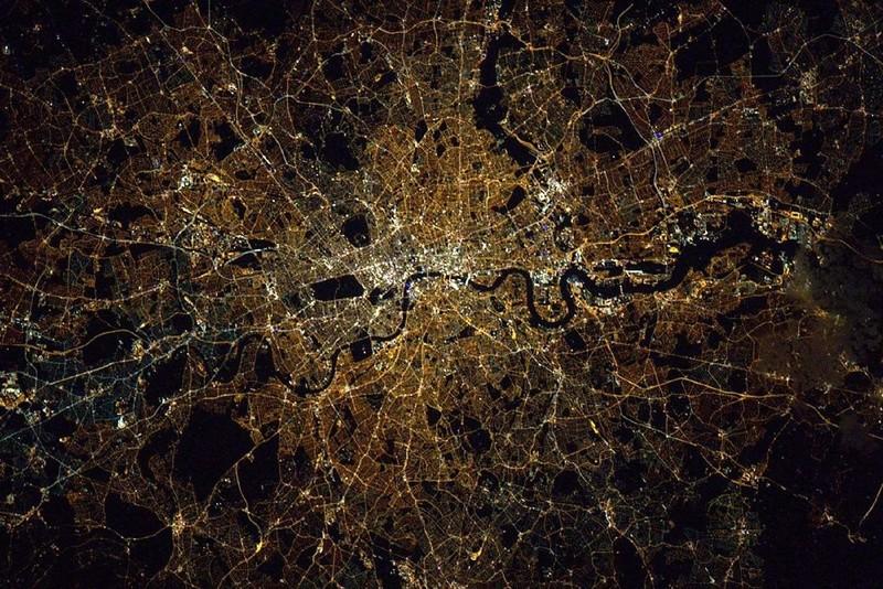La Terre vue de l'espace : les astronautes ont les plus belles vues. 817