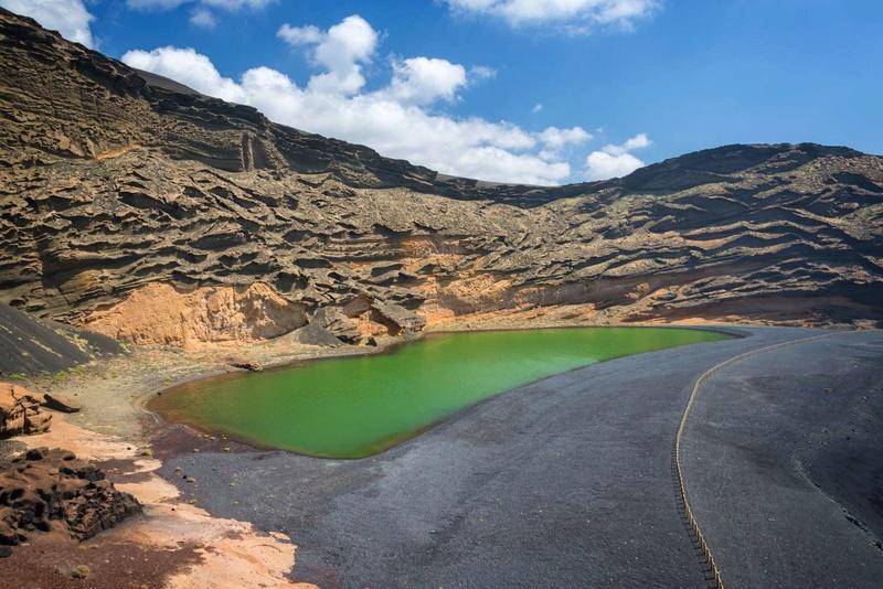 Les plus spectaculaires lacs du monde 911