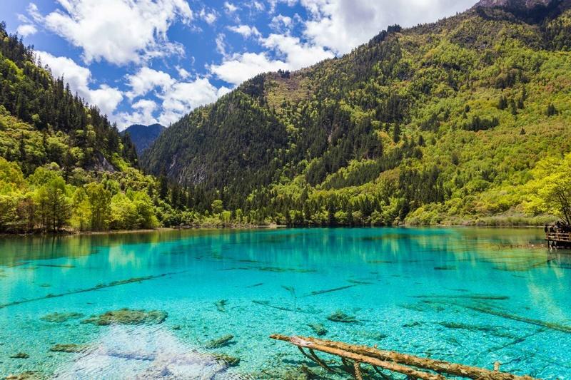 Les plus spectaculaires lacs du monde 912