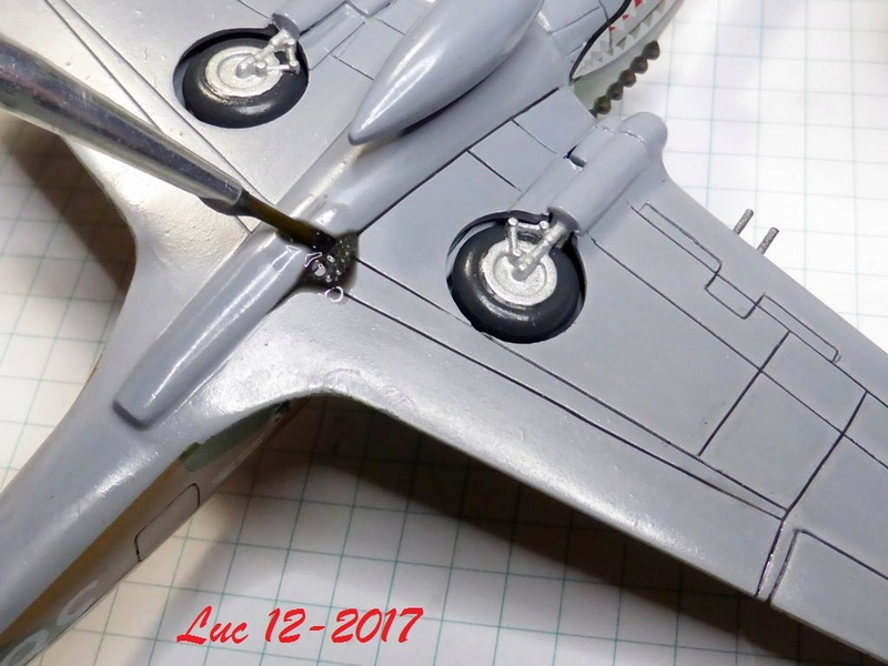 [Frog] CURTISS P-40 TOMAHAWK 2 versions - Page 5 Tpf-0910