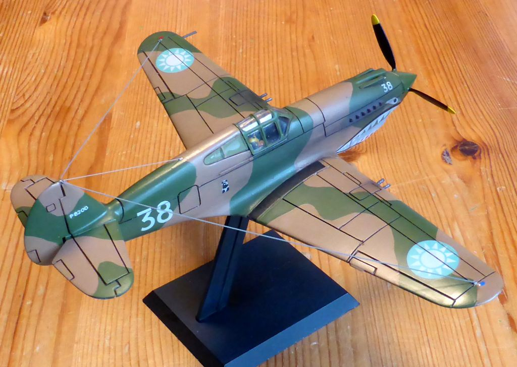 [Frog] CURTISS P-40 TOMAHAWK 2 versions - Page 5 Tpf-5010