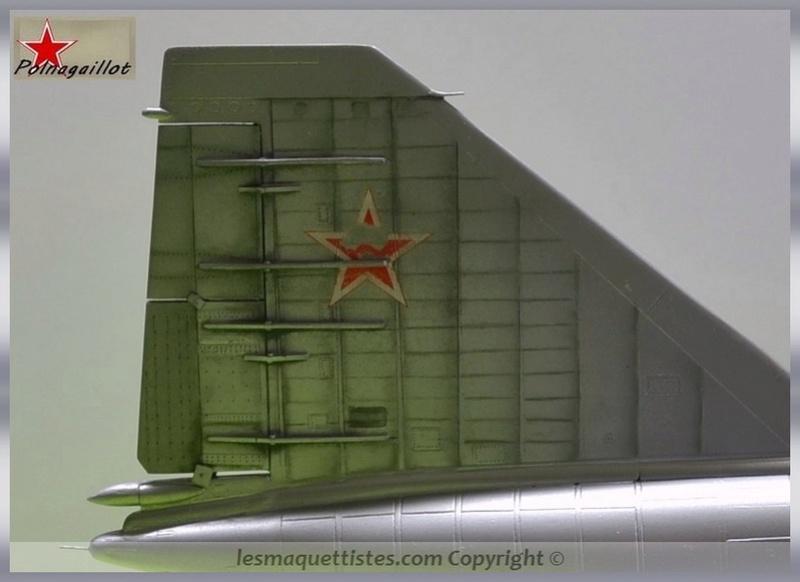 T-4 Sotka (Amodel 1/72) - Page 7 001_8051