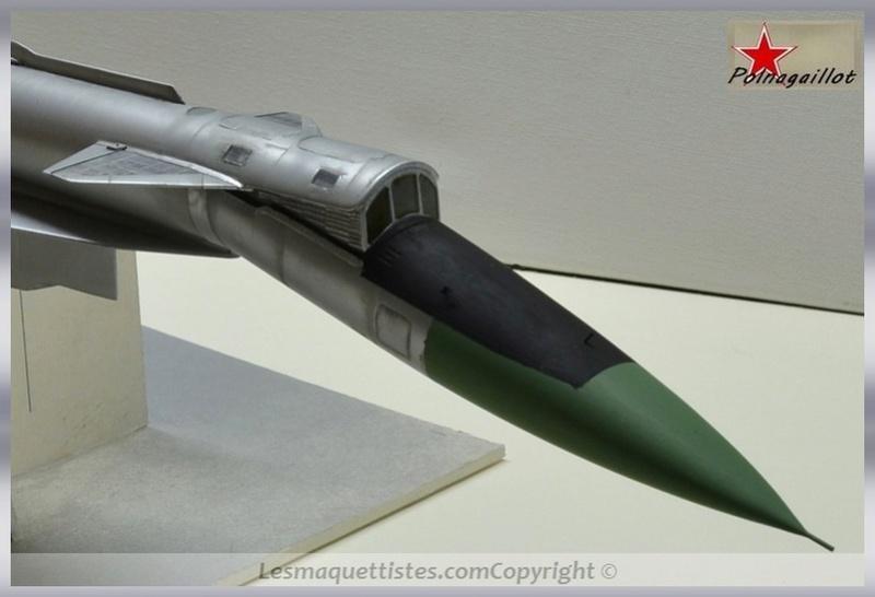 T-4 Sotka (Amodel 1/72) - Page 8 008_8025