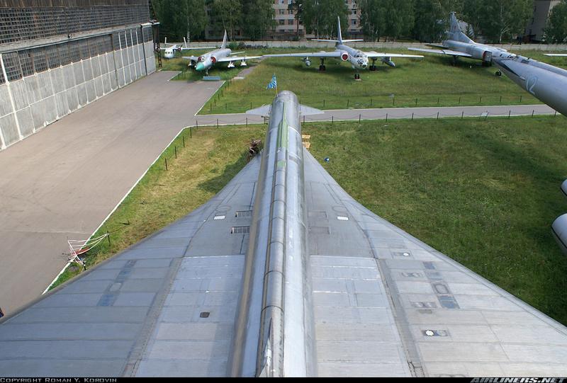 T-4 Sotka (Amodel 1/72) - Page 6 11061411