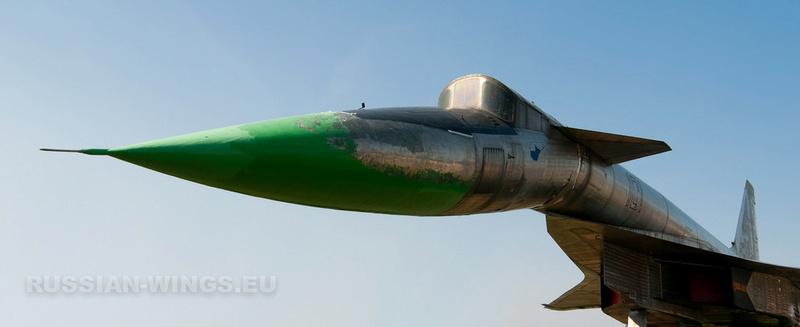 T-4 Sotka (Amodel 1/72) 12016410
