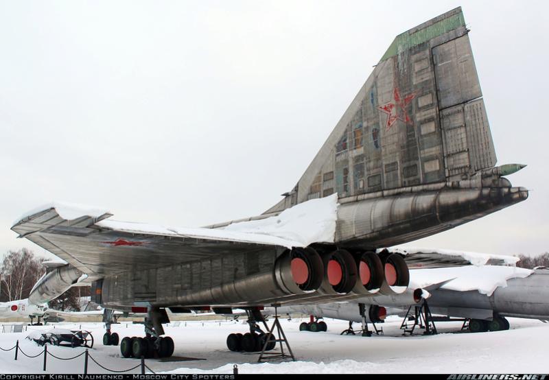 T-4 Sotka (Amodel 1/72) 20789310