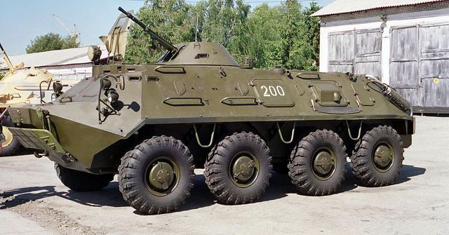 BTR 60 PB (ICM au 1/72) 85d5d710