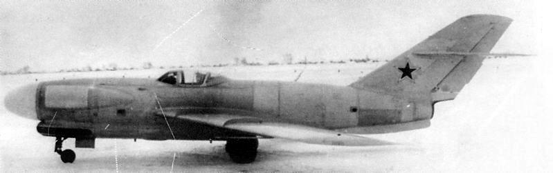 Lavochkin LA-200b ( A&A 1/72 ) Lavotc10