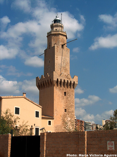 Aedes Ars: Le phare de Porto Pi  à Majorque. Puerto10