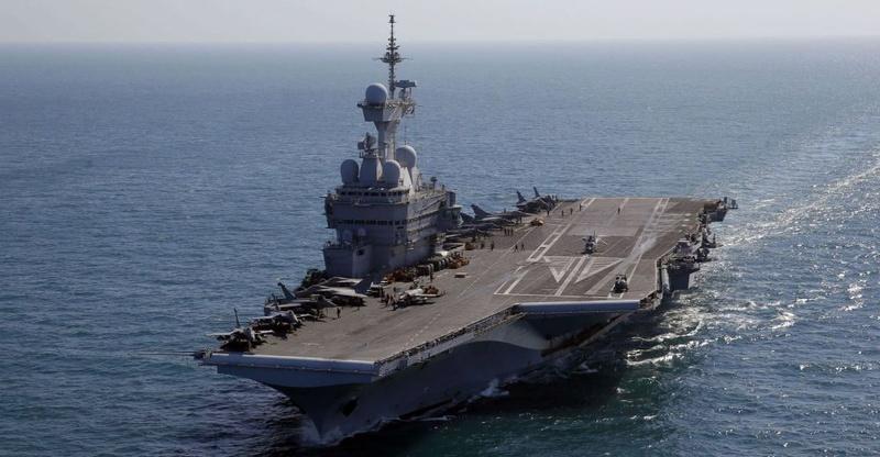 Secret defense : La Marine prévoit à long  terme  - Porte-10
