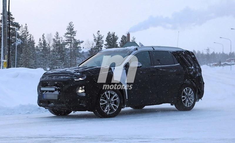 2018 - [Hyundai] Santa Fe IV 04c1f810