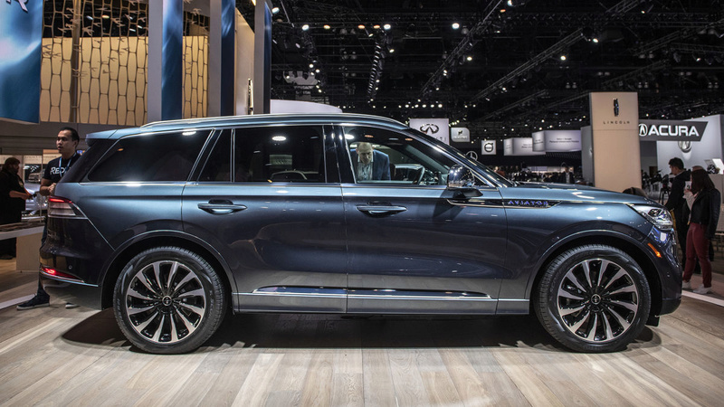 2019 - [Lincoln] Aviator 05283110