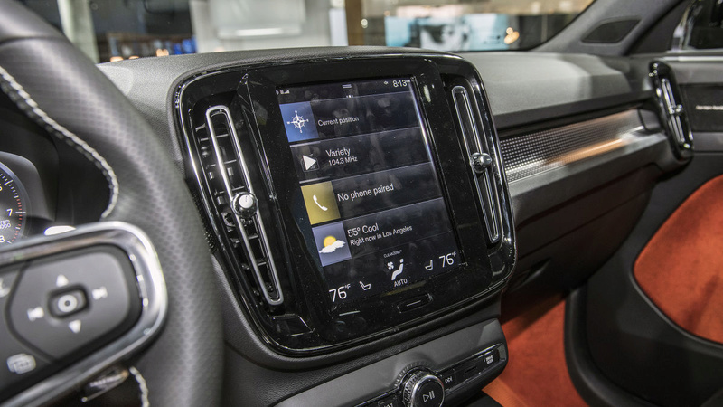 2018 - [Volvo] XC40  - Page 10 1130c010