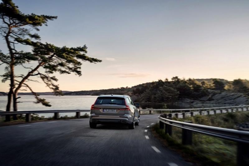 2018 - [Volvo] S60/V60 - Page 4 15c8bf10