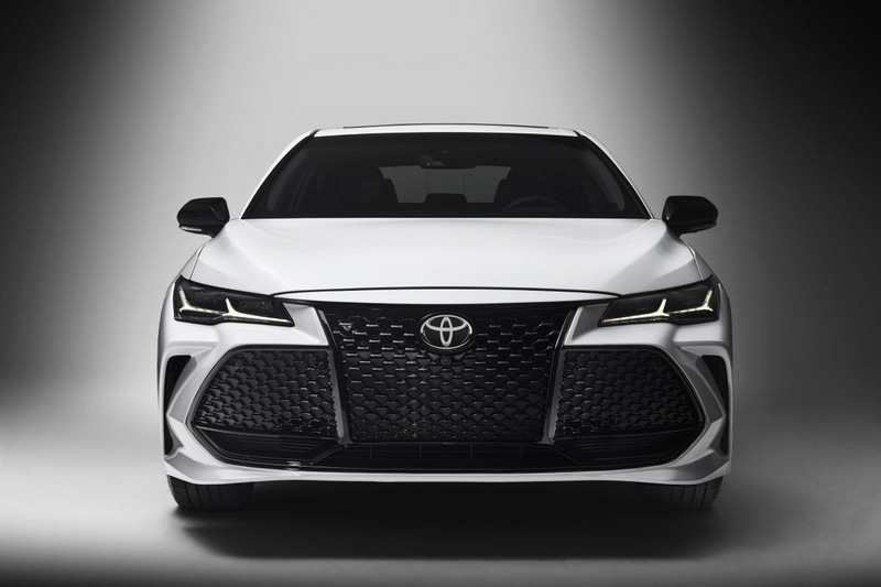 2018 - [Toyota] Avalon 25404b10