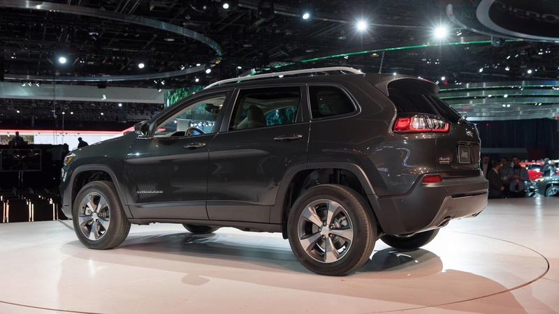 2016 - [Jeep] Cherokee restylé - Page 2 2725c210