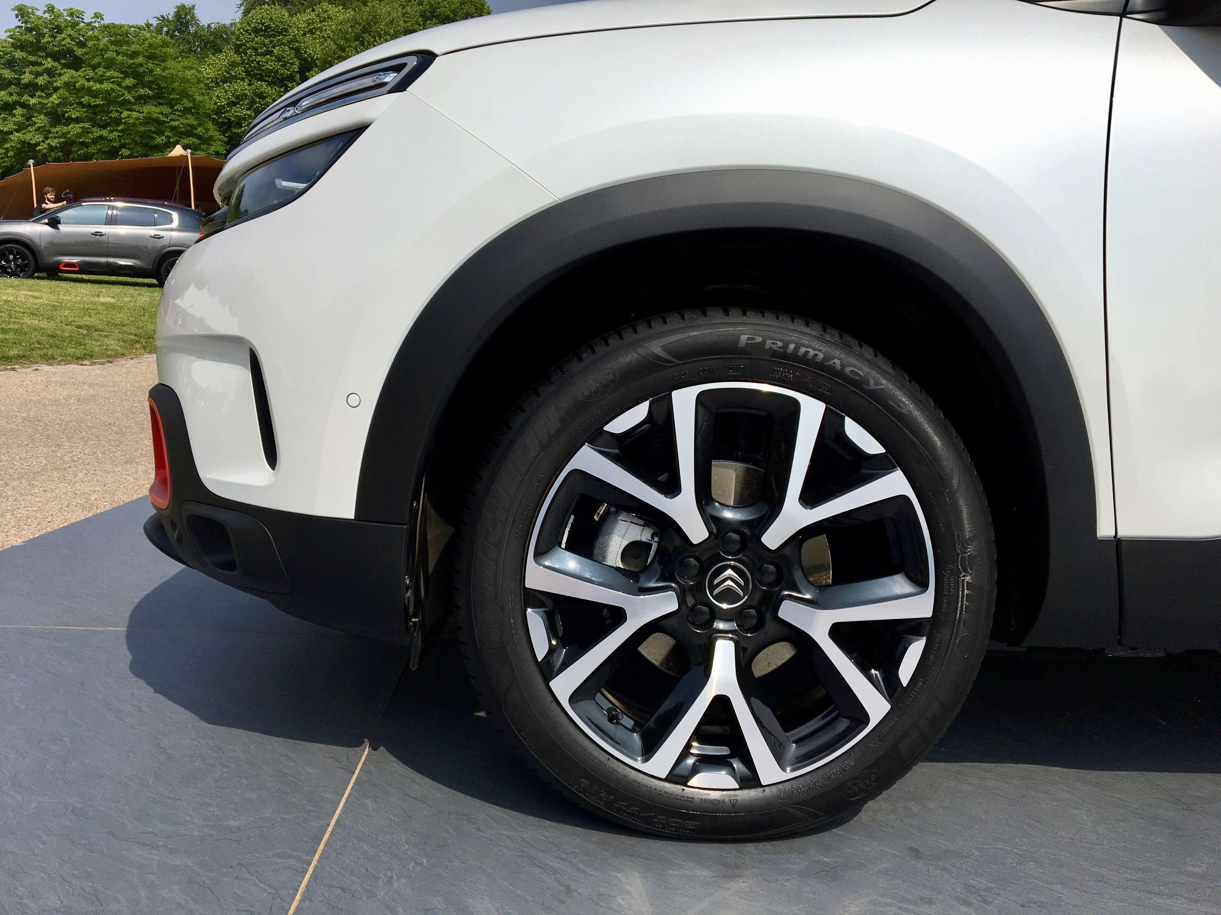 2017 - [Citroën] C5 Aircross [C84] - Page 38 2e77c510