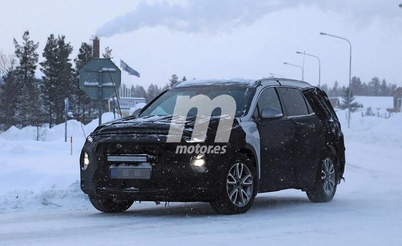 2018 - [Hyundai] Santa Fe IV 369e3710