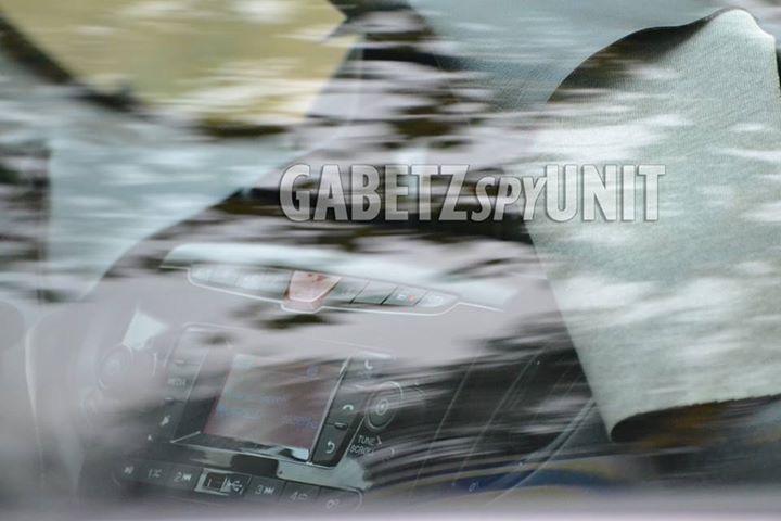 2015 - [Lancia] Ypsilon restylée - Page 5 43894210