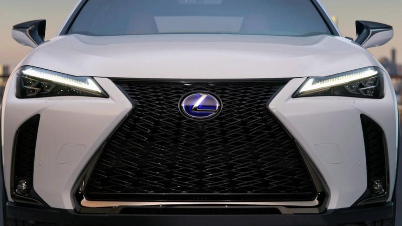2018 - [Lexus] UX 4444e410