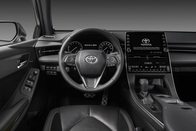 2018 - [Toyota] Avalon 46122310