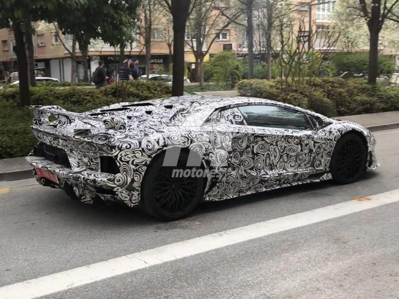 2011 - [Lamborghini] Aventador LP700-4 - Page 26 5a8f0910